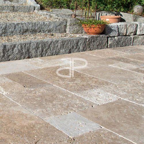 terrasse en travertin moka apex pierre